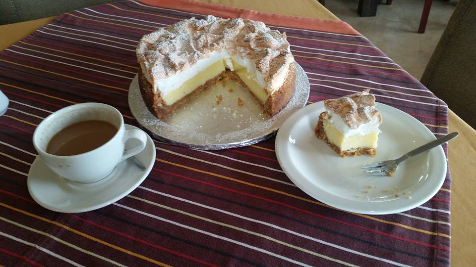 Du Vlei bakery lemon meringue tart & coffee